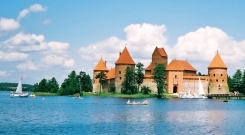 Trakai Island Castle, Lithuania (Wikipedia)